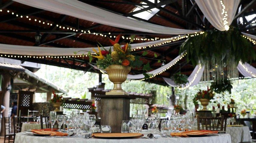 Se pueden hacer grandes bodas o convites más íntimos<br>