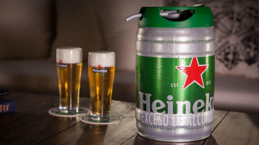 Heineken para todos: un barril del sabor de la rubia lager<br>