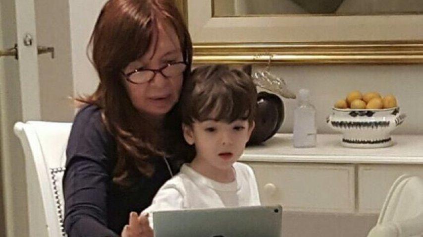 El chiste de Cristina con su nieto Néstor Iván sobre las PASO<br>