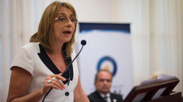 Alejandra Gils Carbó<br>
